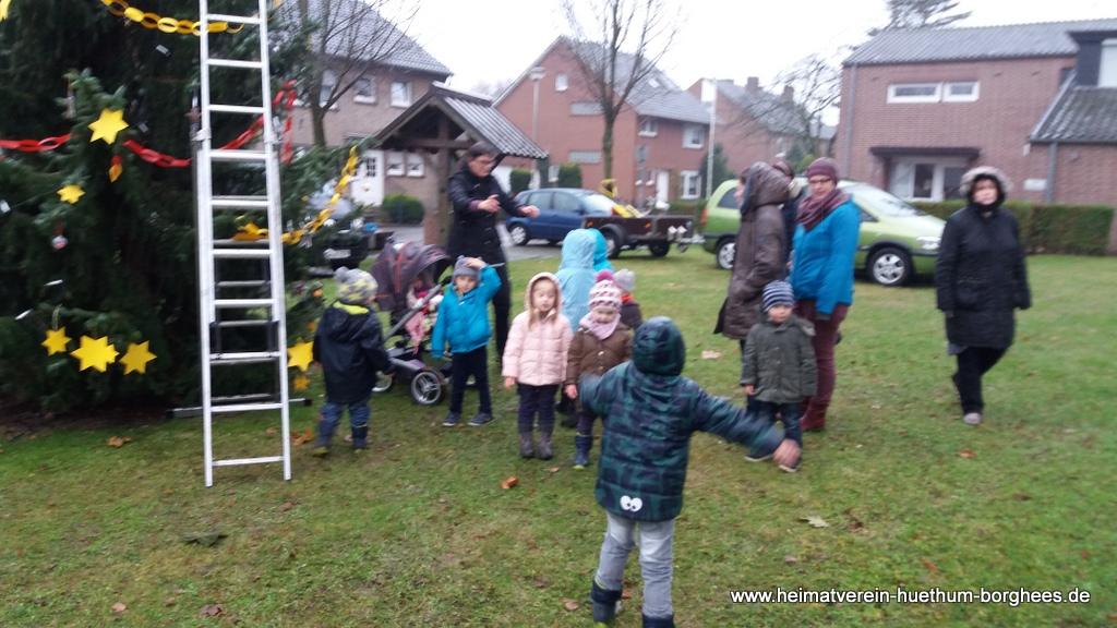 24 schmБcken Weihnachtsbaum (8)